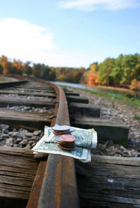 How Travel Expense Tracking Helps Keep Your Budget on Course